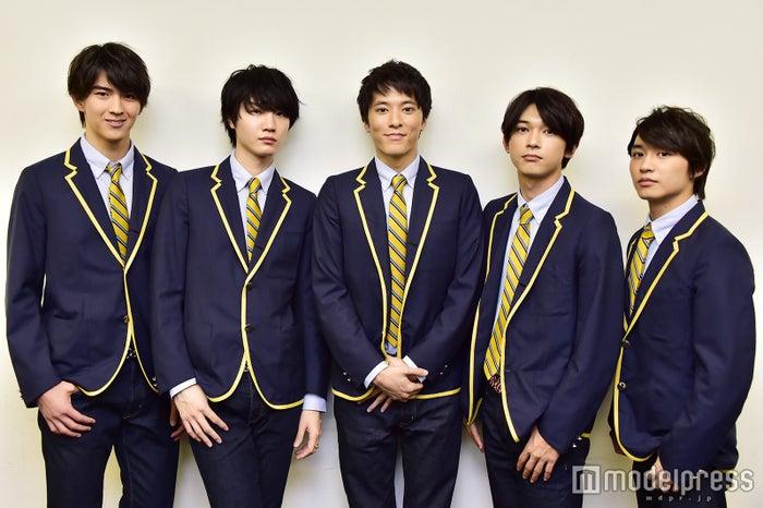 (左から)甲斐翔真、桜田通、松島庄汰、吉沢亮、松岡広大 (C)モデルプレス