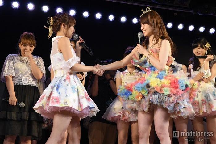 AKB48卒業の大島優子、高橋みなみ最後のお願い断る(C)AKS