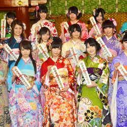 モデルプレス - 指原莉乃らAKB48グループ新成人17名、華やかな晴れ着姿をお披露目<全メンバー抱負コメント>