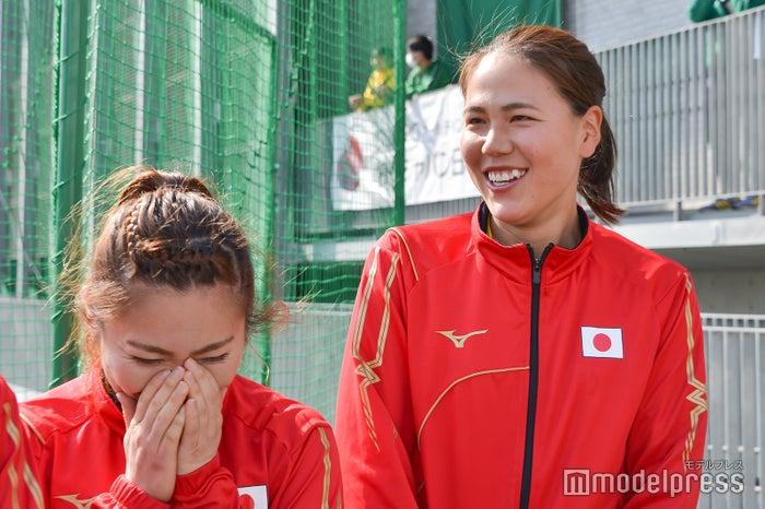 (左から)永井葉月選手、景山恵選手(C)モデルプレス