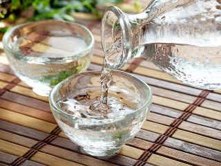 日本酒は「温度」で楽しもう! 冷酒から飛び切り燗まで「日本酒」4タイプから見つける「適切な温度帯」