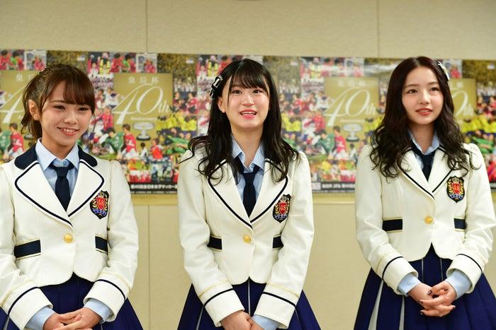 (左から)磯佳奈江、上西怜、村瀬紗英(画像提供:よしもとクリエイティブ・エージェンシー)