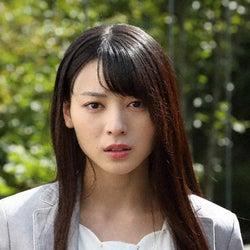 矢島舞美、大澄賢也の秘書役でゲスト出演!『駐在刑事 Season2』第4話