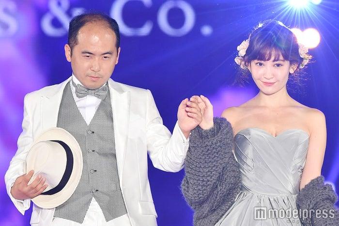 斎藤司、小嶋陽菜/「GirlsAward 2016 AUTUMN/WINTER」より(C)モデルプレス