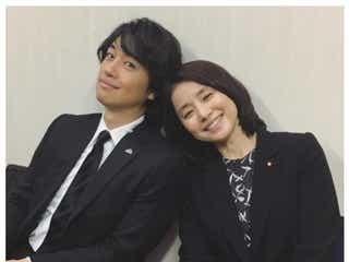 石田ゆり子、斎藤工と密着ツーショット「素敵な親戚」に反響