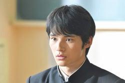 岡田健史/「中学聖日記」第1話より(C)TBS