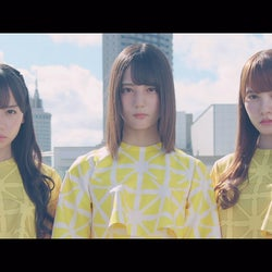 日向坂46「ホントの時間」MV解禁 らしさ溢れる可愛らしさとクールさ