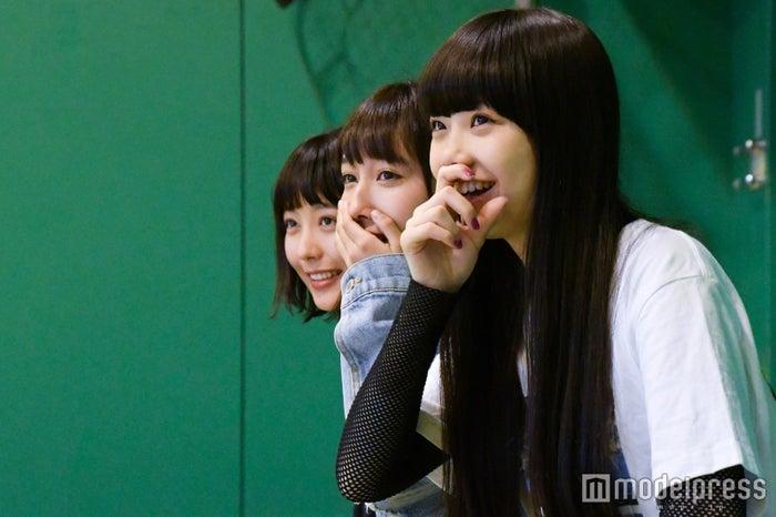 練習風景を見学するJ☆Dee'Z(C)モデルプレス