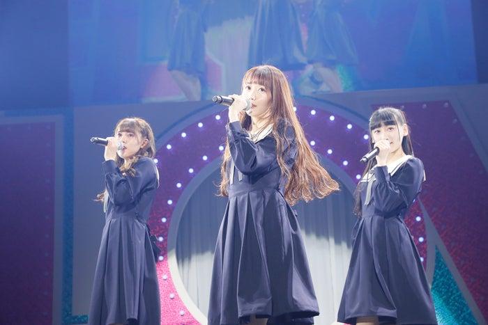 (左から)佐竹のん乃、大谷映美里、齋藤樹愛羅/=LOVEファーストコンサート「初めまして、=LOVEです。」(提供写真)