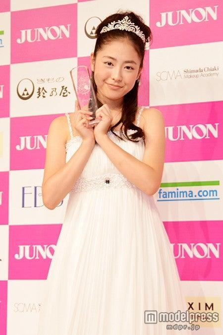 第1回「JUNONプロデュース ガールズコンテスト」でグランプリに輝いた松浦雅