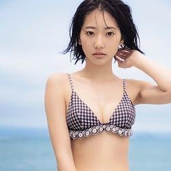 武田玲奈、谷間くっきり水着姿にドキッ