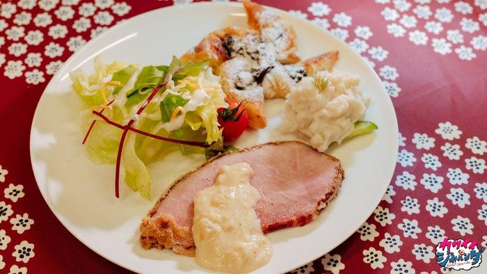 クリスマスディナー(フィンランド・ヨウルキンク)(写真提供:MBS)