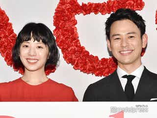 妻夫木聡、夏帆は「顔にすぐ出ちゃう子」<Red>