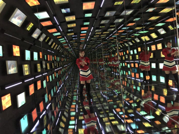 """蜷川実花、色気香る旬な「男たち」の個展が海外初進出 初の""""360度""""デジタルトンネルも/提供:MCIPホールディングス"""