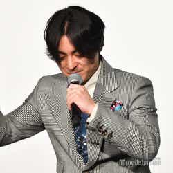 やる気が出ないときは「叩く」という山田孝之、長澤まさみは「ドンキーコングみたい」と笑い (C)モデルプレス