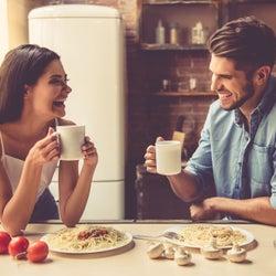 女性が「心を許した男性」にだけ見せる態度や行動パターン