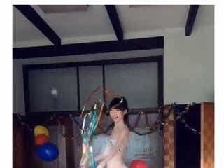 "NGT48荻野由佳、ビキニ姿で白肌美ボディ大胆露出""斬新""な動画に反響殺到"
