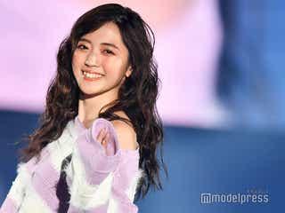 鈴木愛理、肩チラ見せ 笑顔全開ランウェイが可愛すぎる<TGC SHIZUOKA 2019>