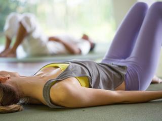 股関節の詰まりや硬さを緩める!簡単エクササイズをご紹介