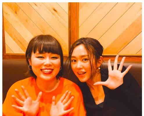 桐谷美玲、左手薬指の指輪に注目する声 ブルゾンちえみとの2ショットに反響