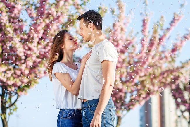 いい匂い…♡「香り」で女性を好きになっちゃう男性心理とは? - モデルプレス