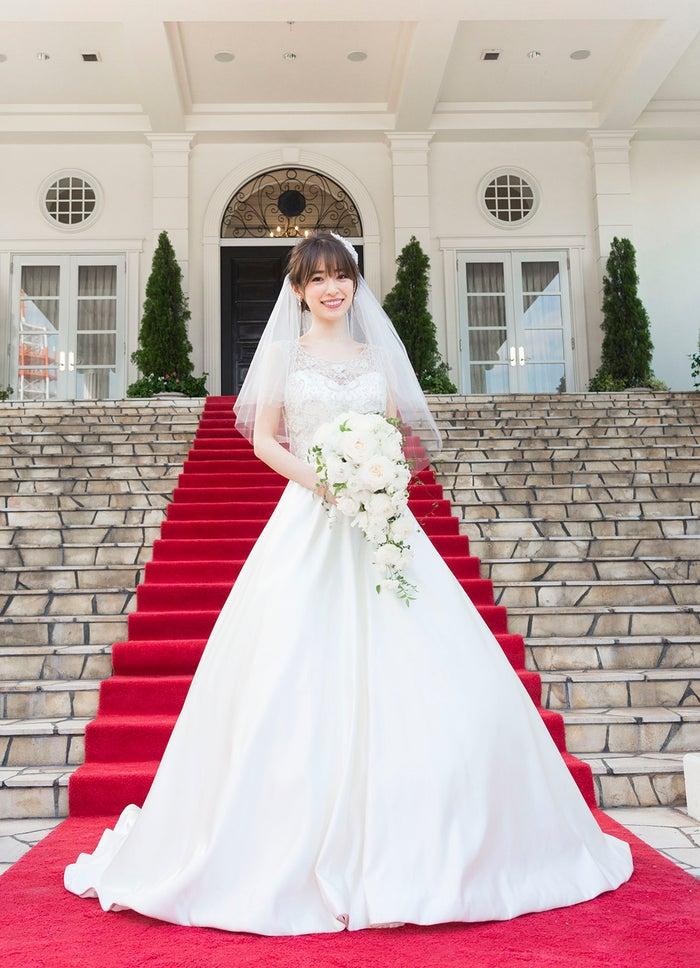 泉里香、麗しいウエディングドレス姿 竹内結子と共演「背中を見て成長できればいいな」