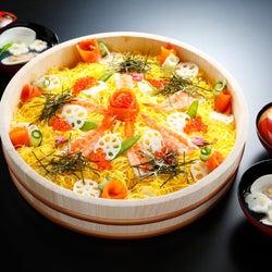 「ちらし寿司」「ハマグリ」「ひし餅」・・・、「ひな祭り」に食べるべき行事食の由来とルーツ
