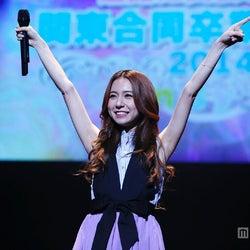 「アナと雪の女王」主題歌を熱唱、May J.ライブにスペシャルゲストも登場