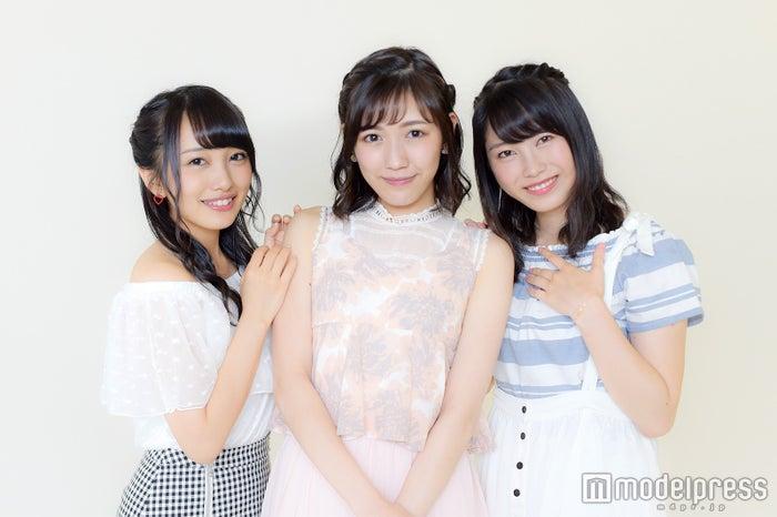 モデルプレスのインタビューに応じた(左から)向井地美音、渡辺麻友、横山由依(C)モデルプレス