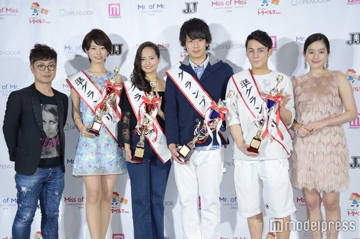 (左から)入江慎也、海老原優香さん、山賀琴子さん、片山直さん、北中健一さん、筧美和子