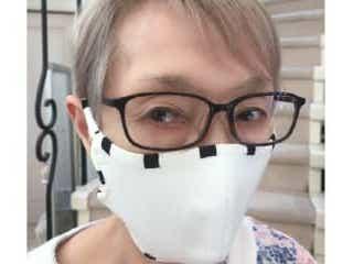 """研ナオコ、""""ズパゲッティ""""で作ったマスクに反響 「ナイスアイデア」 手作りマスクを試作している研ナオコ。誤読するとおいしそうな材料が話題に"""