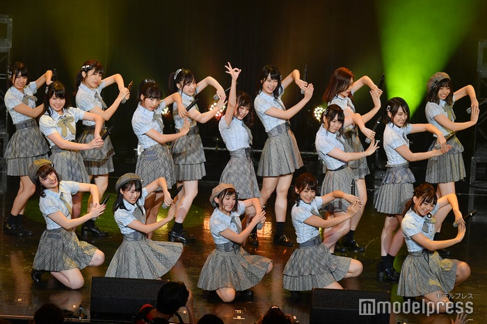 横山結衣がセンターを務めた「蜂の巣ダンス」/AKB48チーム8「TOKYO IDOL FESTIVAL 2018」 (C)モデルプレス