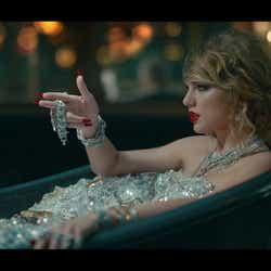 モデルプレス - テイラー・スウィフト、新曲MVが意味深で過激