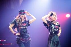 安室奈美恵with DOUBLE/「WE ◆ NAMIE HANABI SHOW」前夜祭より(提供写真)
