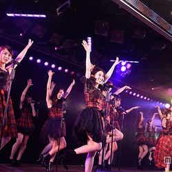 公演の様子(C)AKS