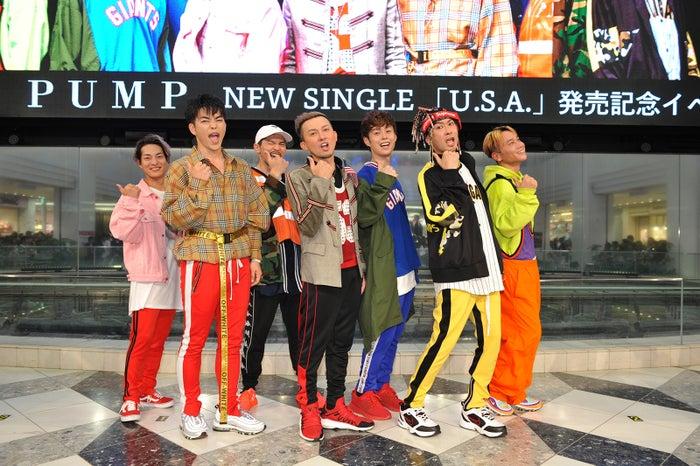(左から)DAICHI、 KENZO 、U-YEAH 、 ISSA、YORI 、TOMO、KIMI (提供写真)