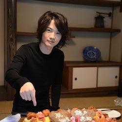 """神木隆之介「ケーキじゃありません。夕飯です!」錦戸亮の誕生日を""""変化球""""で祝福"""