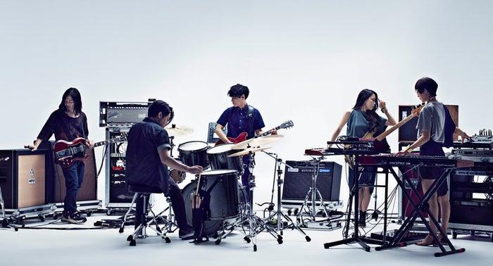 先日、10月3日からのべ10万人を動員する全国ツアーを開催することを発表したサカナクションが8月5日にアルバム「懐かしい月は新しい月 ~Coupling&Remix works~」をリリースすることを...