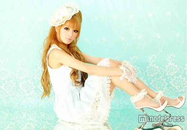 モデルプレスのインタビューに応じた「姉ageha」専属モデルのけいこ