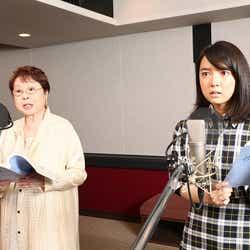 (左から)市原悦子、上白石萌音(C)2016「君の名は。」製作委員会