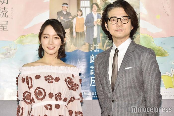 (左から)吉岡里帆、吉岡秀隆 (C)モデルプレス
