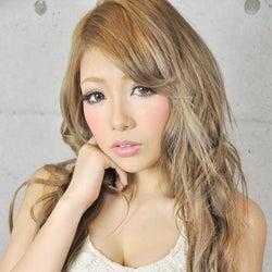 セクシーすぎる15歳女子高生が人気雑誌で専属デビュー!モデルプレスインタビュー