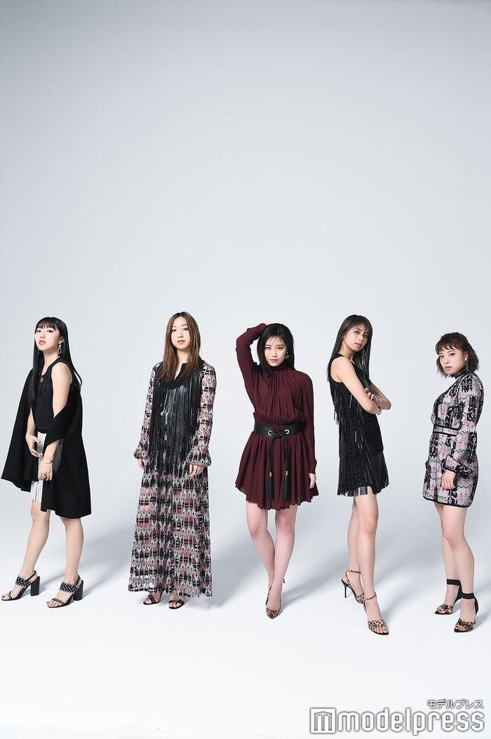 (左から)重留真波、坂東希、鷲尾伶菜、佐藤晴美、中島美央 (C)モデルプレス