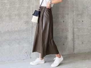 【GU】本格的な秋が来る前にゲットしたい!高見え「フェイクレザースカート」