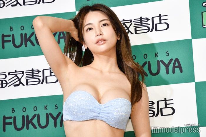 (左から)仲村美海 (C)モデルプレス