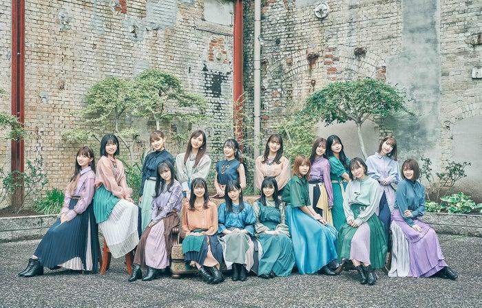 HKT48『3-2』アーティスト写真(C)Mercury