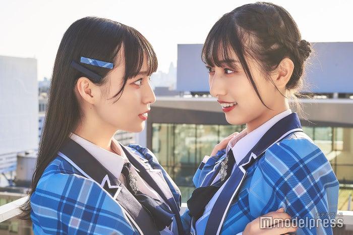 (左から)冨田菜々風、蟹沢萌子(C)モデルプレス