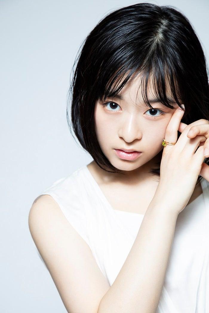 <森七菜(もり・なな)プロフィール>2001年8月31日生まれ、大分県出身。2016年夏、大分県でスカウトされ、翌年にドラマ「東京ヴァンパイアホテル」で女優デビュー。オーディションを勝ち抜き新海誠監督の映画「天気の子」のヒロイン声優に抜擢される。主な出演作はドラマ「先に生まれただけの僕」、「獣になれない私たち」、「3年A組―今から皆さんは、人質です―」、「少年寅次郎」、連続テレビ小説「エール」、「あのコの夢を見たんです。」、「この恋あたためますか」、映画「東京喰種 トーキョーグール【S】」、「最初の晩餐」、「地獄少女」、「ラストレター」、「青くて痛くて脆い」、「461個のおべんとう」など。