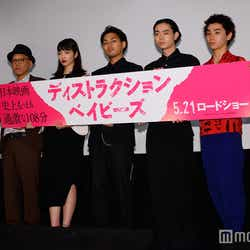 (左から)真利子哲也監督、小松菜奈、柳楽優弥、菅田将暉、村上虹郎(C)モデルプレス