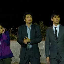 (左から)新木優子、小栗旬、西島秀俊(画像提供:関西テレビ)